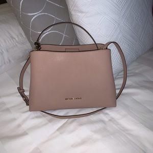 de8e40139e90 Women s Michael Kors Handbags On Sale At Macy s on Poshmark